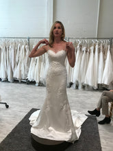 Load image into Gallery viewer, Pronovias 'Drens' size 4 used wedding dress front view on bride