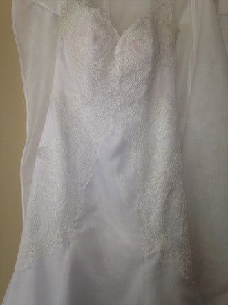 Mackenzie Michaels 'White Lace' - Mackenzie Michaels - Nearly Newlywed Bridal Boutique - 5