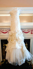 Vera Wang 'Kirsten' Ivory Flange Wedding Dress - Vera Wang - Nearly Newlywed Bridal Boutique - 1