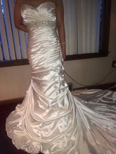 Load image into Gallery viewer, Maggie Sottero 'Adorae' - Maggie Sottero - Nearly Newlywed Bridal Boutique - 5