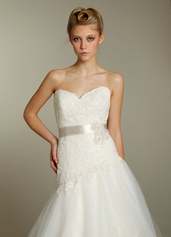 Alvina Valenta AV9162 Lace & Tulle Wedding Dress - Alvina Valenta - Nearly Newlywed Bridal Boutique - 2