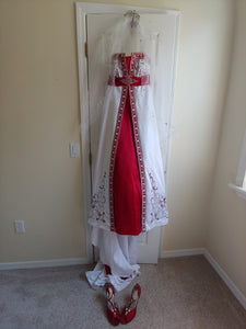 David's Bridal 'Apple Ball Gown' size 6 used wedding dress front view on hanger