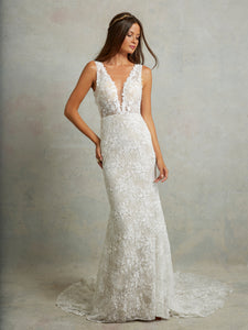 Tara Lauren 'Montgomery' size 4 new wedding dress front view on model