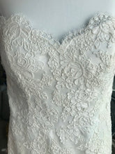 Load image into Gallery viewer, Paloma Blanca 'Modern' size 8 used wedding dress front view close up