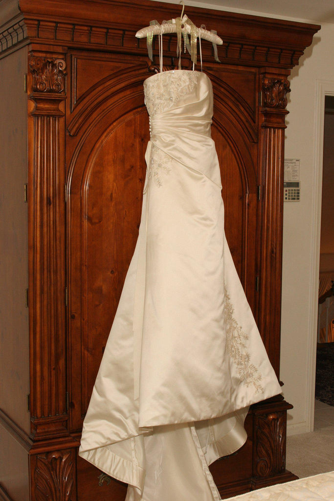 Vera Wang Strapless Gown with Flowers at Bust - Vera Wang - Nearly Newlywed Bridal Boutique - 1