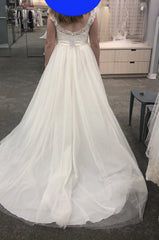 David's Bridal 'Tulle' size 10 new wedding dress back view on bride