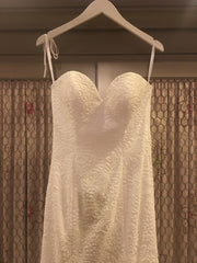 Alvina Valenta 'Tiadora-7561' size 8 new wedding dress front view on hanger