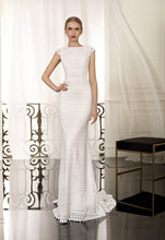 Load image into Gallery viewer, Cabotine 'Nerac' size 4 new wedding dress front view on model