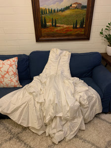 Blue 'Private Collection' wedding dress size-14 PREOWNED