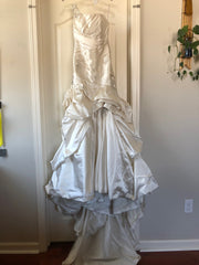 Maggie Sottero 'Fiorella' size 2 new wedding dress front view on hanger