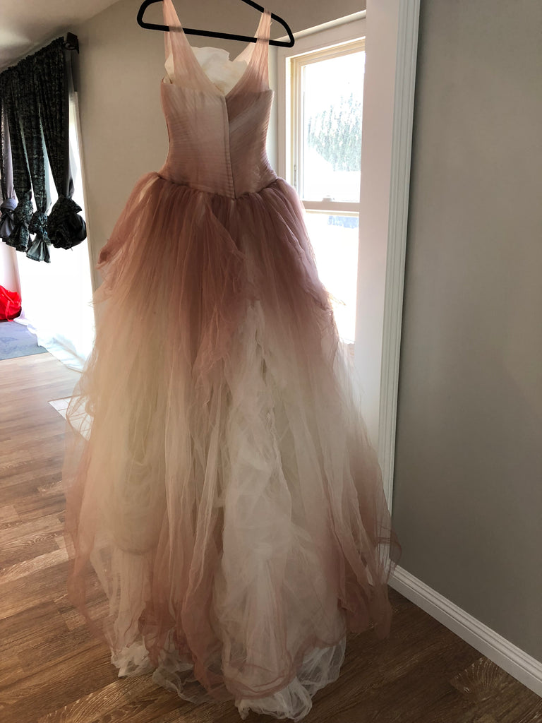 gVera Wang White 'Ombre Tulle' size 4 used wedding dress back view on hanger