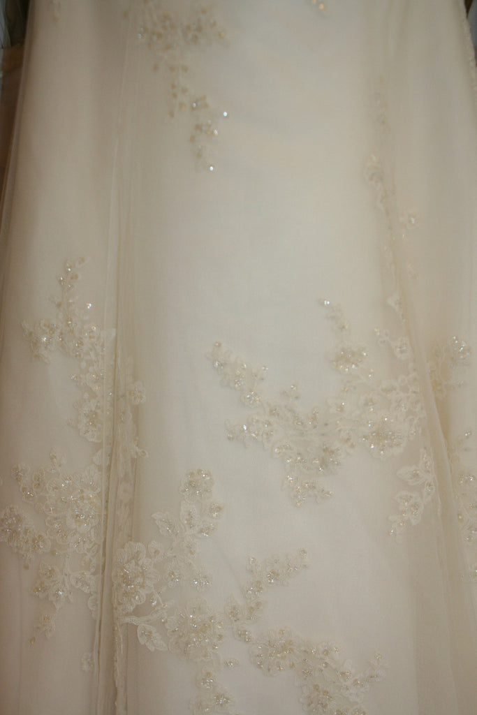 Enzoani 'Danika' - Enzoani - Nearly Newlywed Bridal Boutique - 4