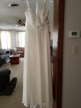 Load image into Gallery viewer, Stella York '6530DMZP' size 16 new wedding dress front view on hanger