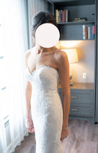 Load image into Gallery viewer, Rosa Clara 'Abril Strapless Sweetheart Lace Mermaid Gown' wedding dress size-02 PREOWNED