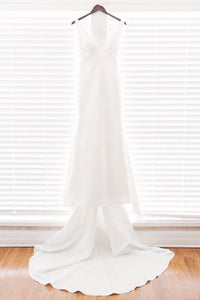 Pronovias 'Racimo' size 2 used wedding dress front view on hanger