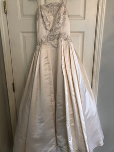 Marisa '22472' size 6 used wedding dress front view on hanger