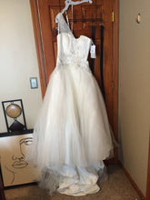 Load image into Gallery viewer, Oleg Cassini 'Megan Bross' wedding dress size-08 NEW