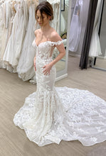 Load image into Gallery viewer, BERTA 'Athens 19-101' wedding dress size-06 NEW