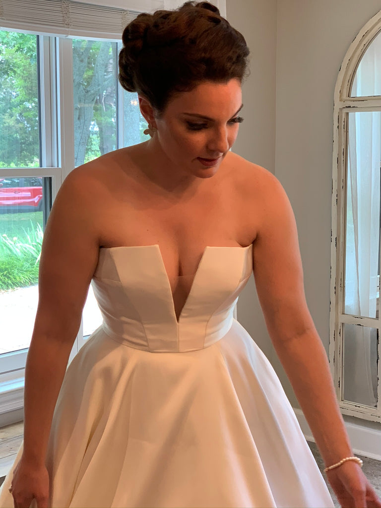 Anne Barge 'Emory' wedding dress size-08 PREOWNED