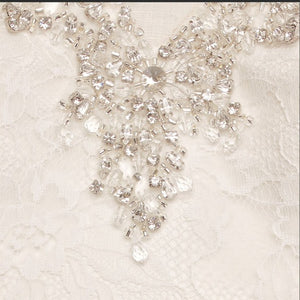 Jewel 'V3801' size 14 new wedding dress close up view