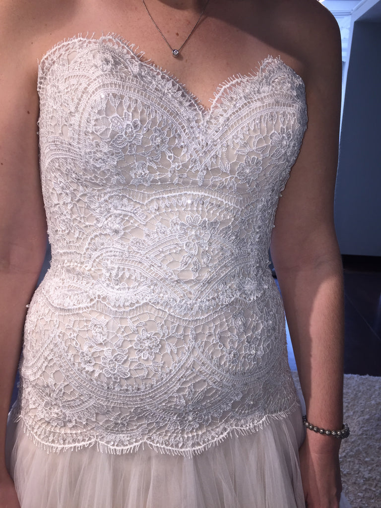Watters 'Britt' size 8 used wedding dress front view close up