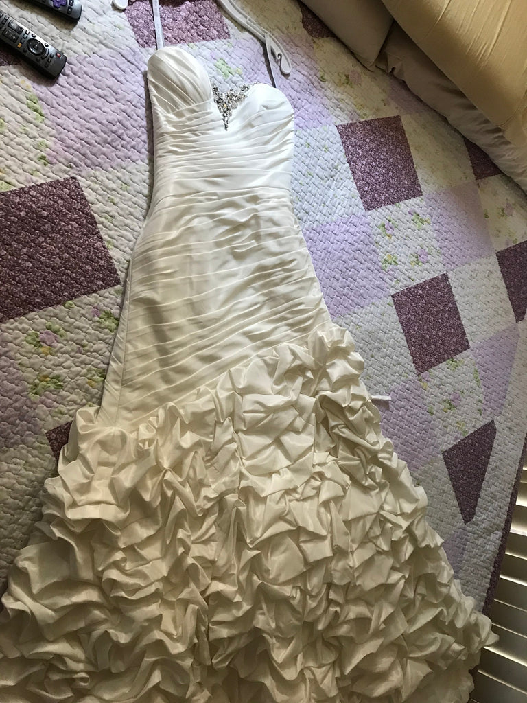 alfred angelo 'Unknown ' wedding dress size-04 NEW