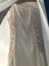 Load image into Gallery viewer, Pronovias 'Valera ' wedding dress size-06 NEW