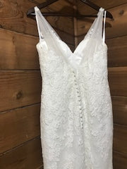 Allure Bridals 'Allure Romance 2606' size 8 used wedding dress back view on hanger