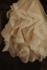 Mori Lee 'Marilyn' size 4 used wedding dress view of train