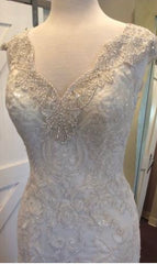 Maggie Sottero 'Elison' size 8 new wedding dress front view close up