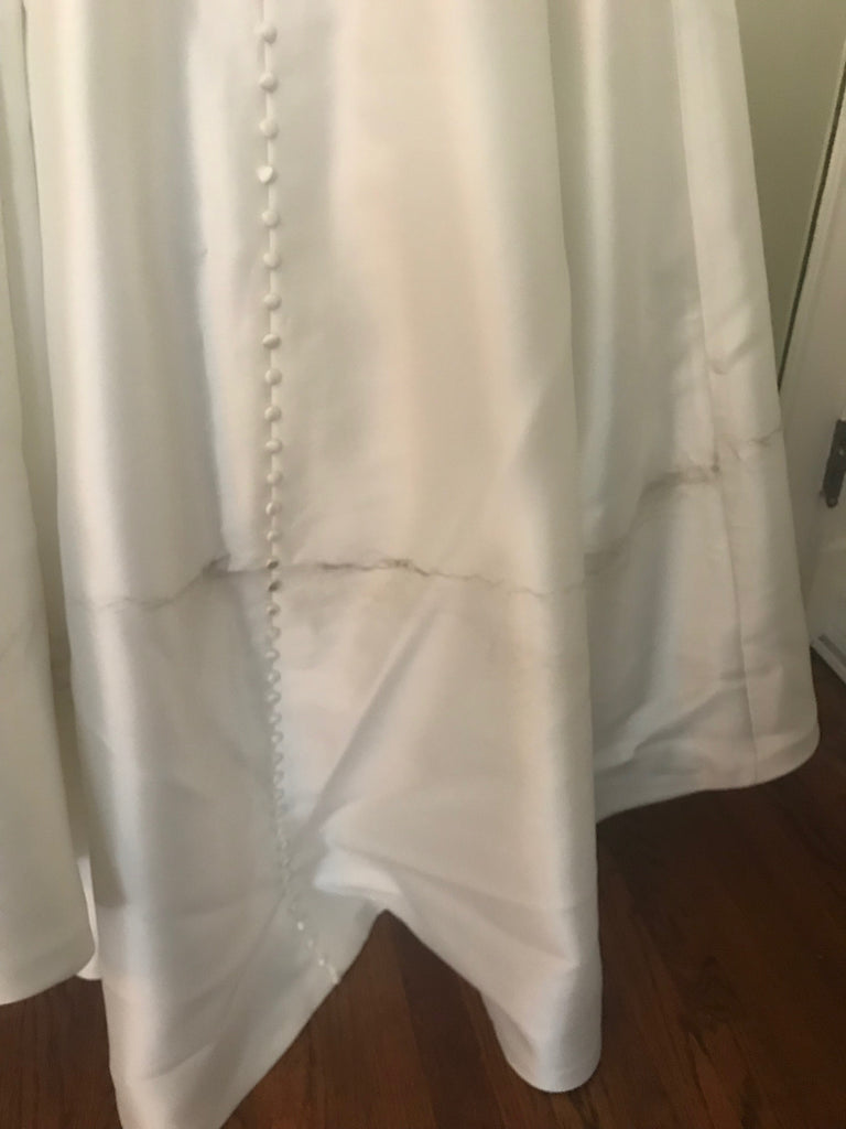 Robert Bullock 'Opal' size 4 used wedding dress view of hemline