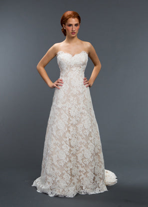 Sareh Nouri 'Remedios' size 2 used wedding dress front view on model