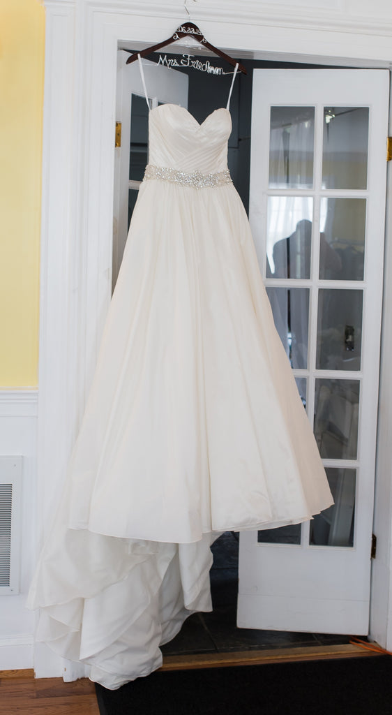 Allure '9065' size 4 used wedding dress front view on hanger