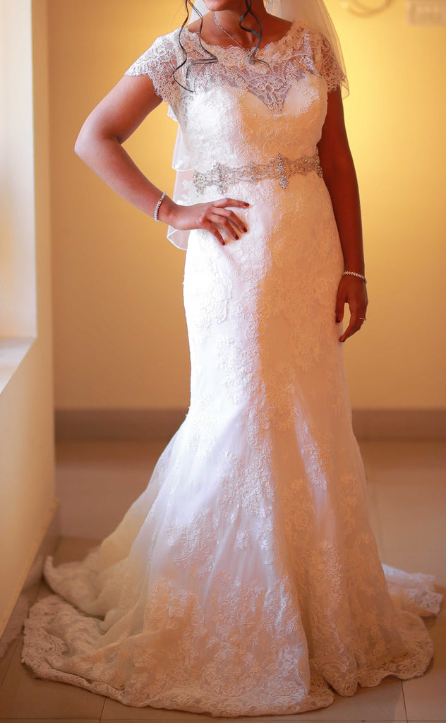 81e16486e4a Allure  Fit and Flare  size 4 used wedding dress - Nearly Newlywed
