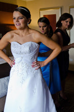 Load image into Gallery viewer, Mori Lee '2105' - Mori Lee - Nearly Newlywed Bridal Boutique - 2