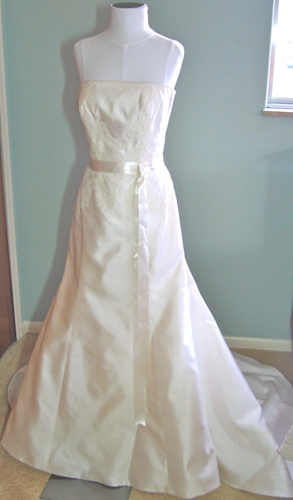 Christos Lace A-line Strapless Wedding Dress - Christos - Nearly Newlywed Bridal Boutique - 1