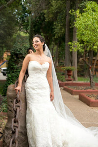 Enzoani 'Eva' size 6 used wedding dress front view on bride