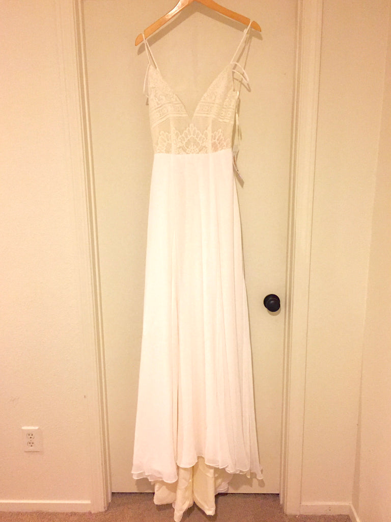 Hayley Paige 'Bunny' size 2 new wedding dress front view on hanger