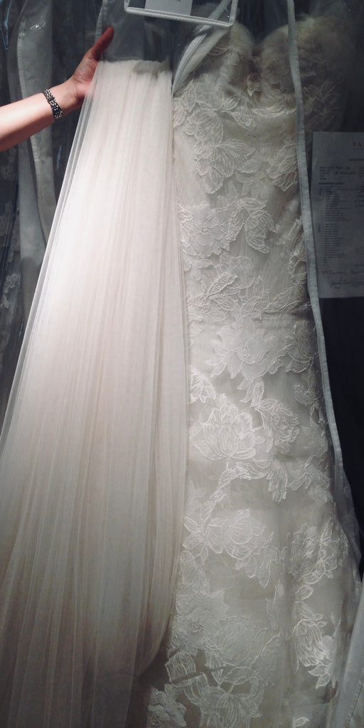 Vera Wang 'Leda' size 2 used wedding dress view of fabric