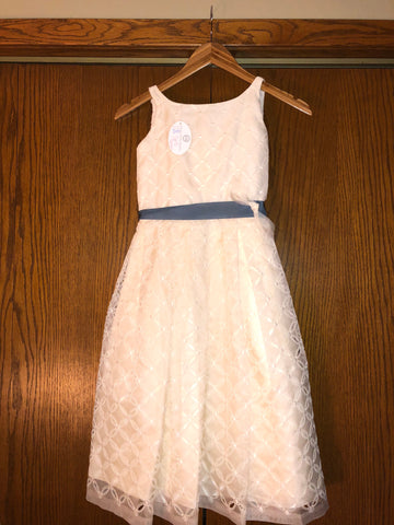 1fc8b4095e Exquisite Brides  size 8 child s Delicately Overlaid Two Tier Ivory Flower  Girl Dress