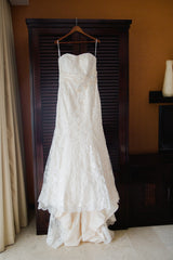 Allure '8917' size 16 used wedding dress front view on hanger