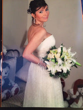 Load image into Gallery viewer, Novia d'Art  'Niagara' - novia d'art - Nearly Newlywed Bridal Boutique - 2
