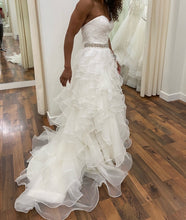 Load image into Gallery viewer, Allure Bridals '8955'