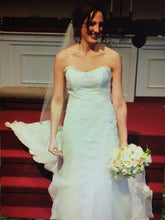 Load image into Gallery viewer, Marisa '858' - Marisa - Nearly Newlywed Bridal Boutique - 3