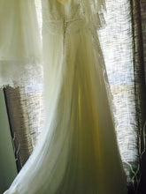 Load image into Gallery viewer, Rosa Clara 'Intimo' - Rosa Clara - Nearly Newlywed Bridal Boutique - 4