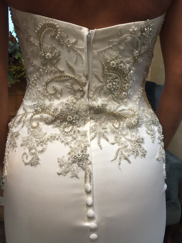 Casablanca '2202' size 2 new wedding dress back view close up on bride