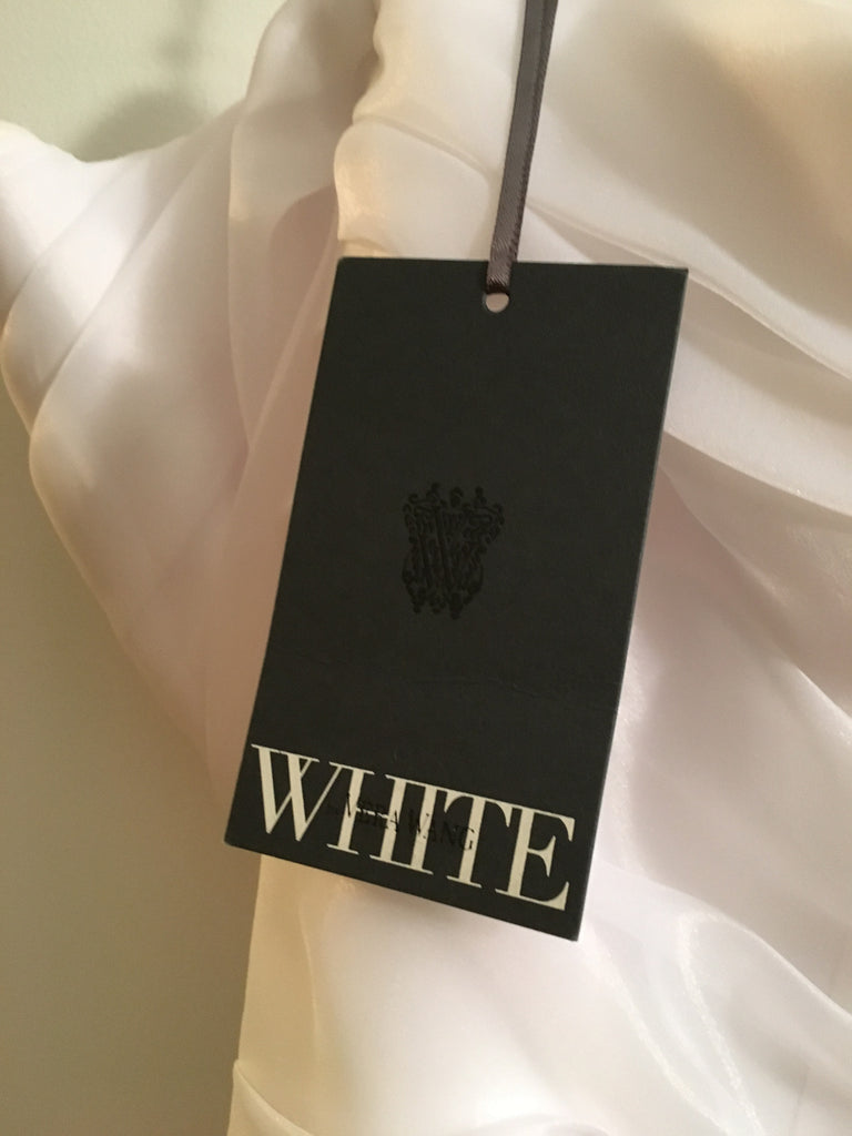 Vera Wang White 'Trumpet' - Vera Wang White - Nearly Newlywed Bridal Boutique