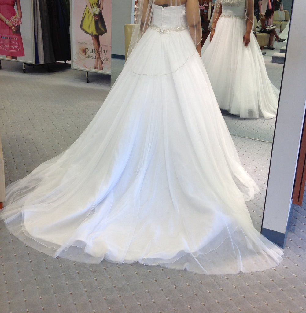 Alfred Angelo style #2376 - alfred angelo - Nearly Newlywed Bridal Boutique - 2