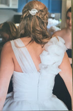 Load image into Gallery viewer, Monique Lhuillier 'Bailey' - Monique Lhuillier - Nearly Newlywed Bridal Boutique - 2