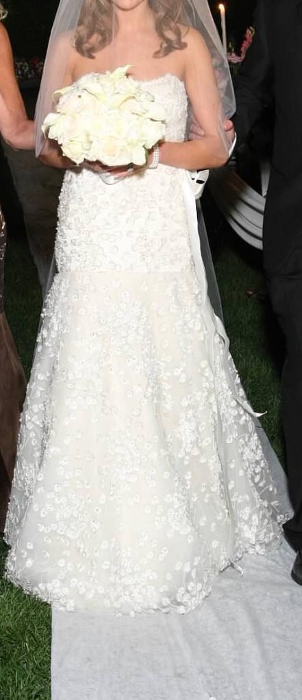 Monique Lhuillier Snowflake Size 2 Used Wedding Dress Nearly